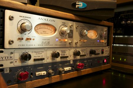 Avalon U5 & Neve 1073DPA